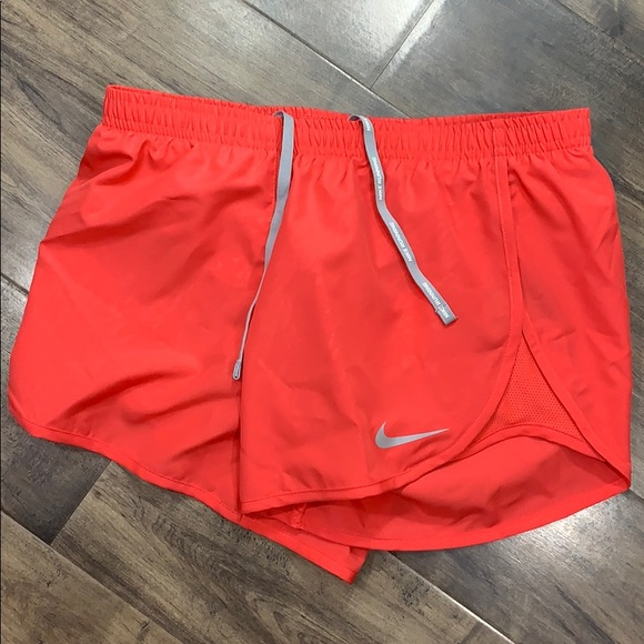 NIKE DRY Women's running shorts with Dri-Fit Techn